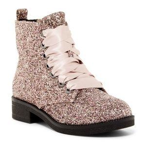Dirty Laundry Snowflake Glitter Boots NWOT